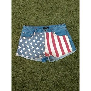Forever 21 patriotic shorts size 29